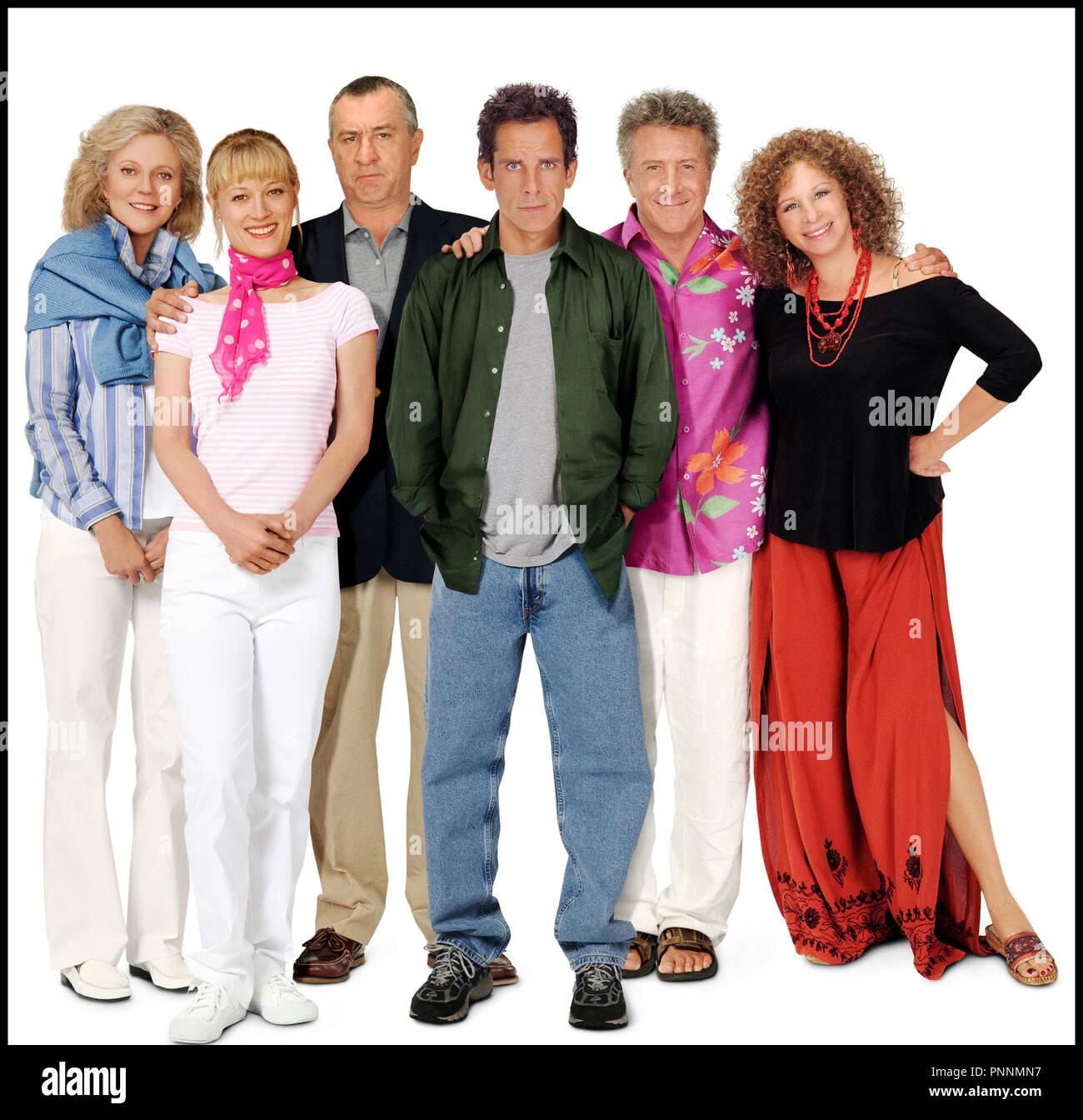 Prod DB © Universal Pictures - DreamWorks SKG / DR MON BEAU-PERE, MES PARENTS ET MOI (MEET THE FOCKERS) de Jay Roach 2004 USA avec Blythe Danner, Teri Polo, Robert De Niro, Ben Stiller, Dustin Hoffman et Barbra Streisand sequelle, belle-famille,  autres titres: Meet the Fokkers (USA) (working title) Meet the Parents 2 (USA) (working title) mon beau-pere mes parents et moi (FRA sans ponctuation) - Stock Image
