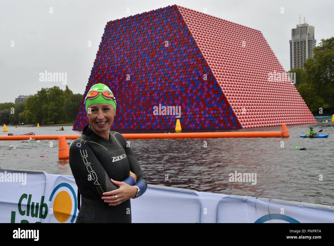 London, UK, 22nd September 2018Thousands participle Swim Serpentine 2018, London, UK. 22 September 2018. Credit: Picture Capital/Alamy Live News - Stock Image