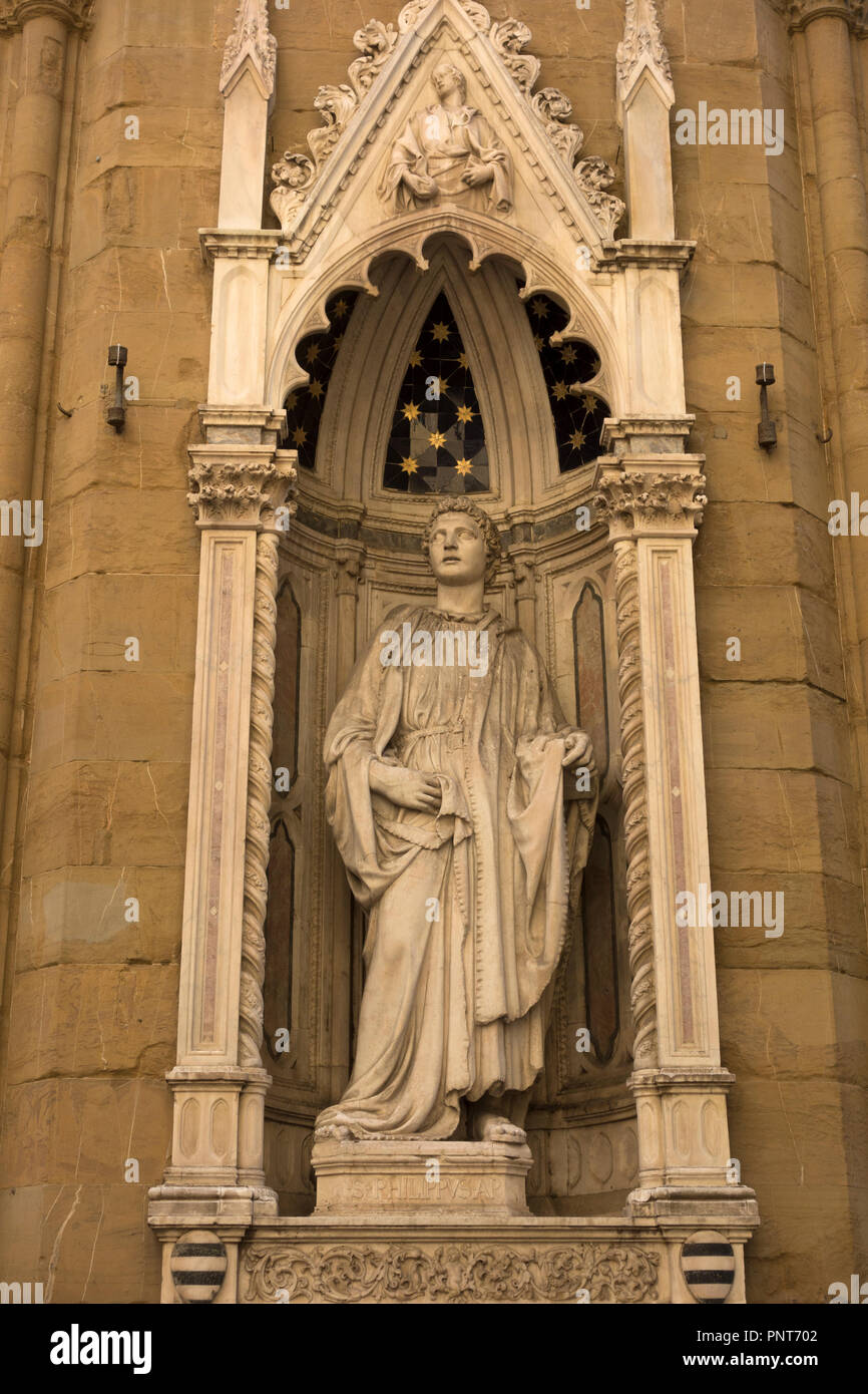 Banco Exterior: Early 15th Century Statue Of Philip The Apostle By Nanni
