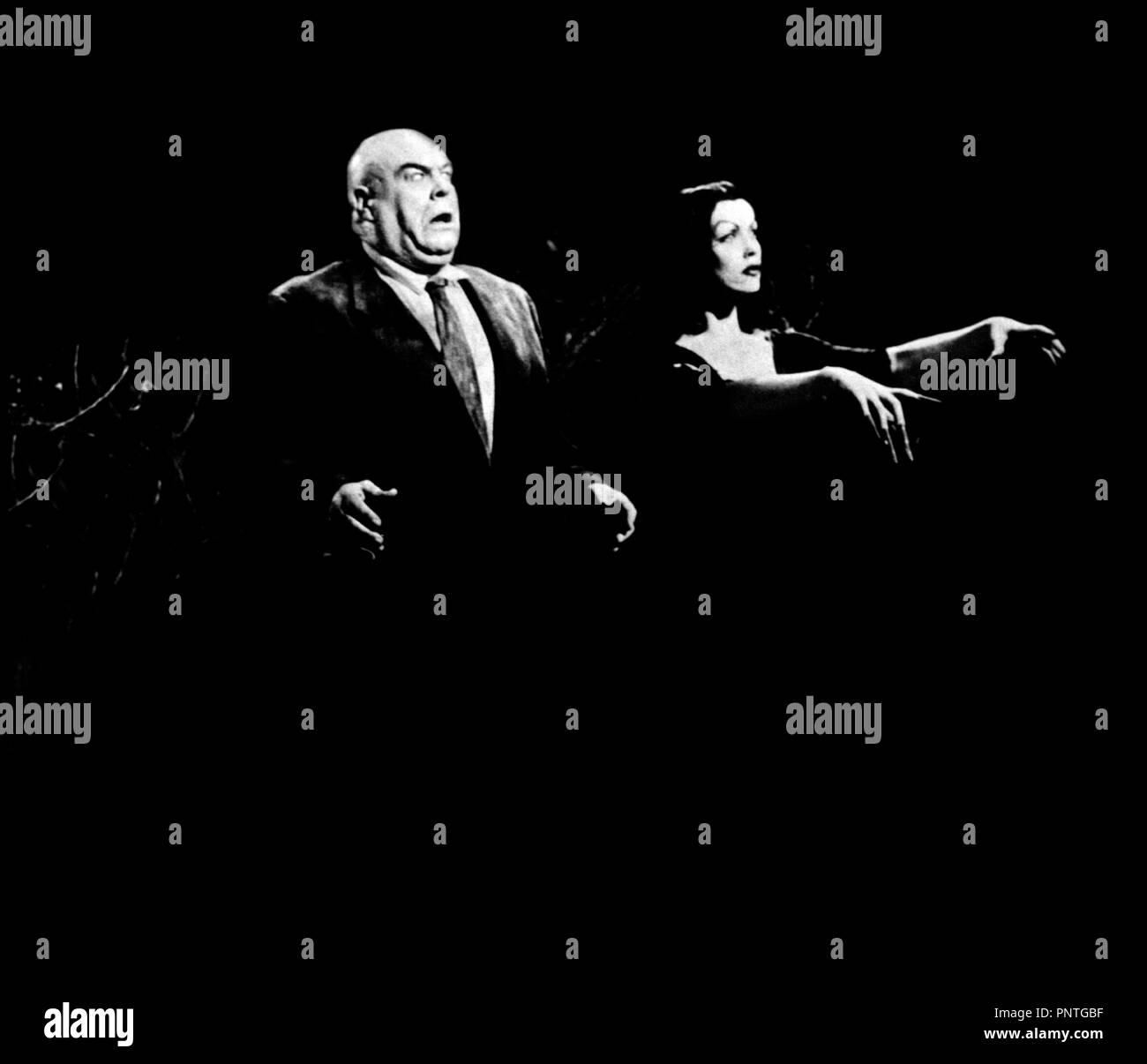 Prod DB © Reynolds Pictures / DR PLAN 9 FROM OUTER SPACE (PLAN 9 FROM OUTER SPACE) de Ed Wood 1958 USA science-fiction, sŽrie B avec Tor Johnson et Vampira transe, hypnose rŽalisateur: Edward D. Wood Jr - Stock Image