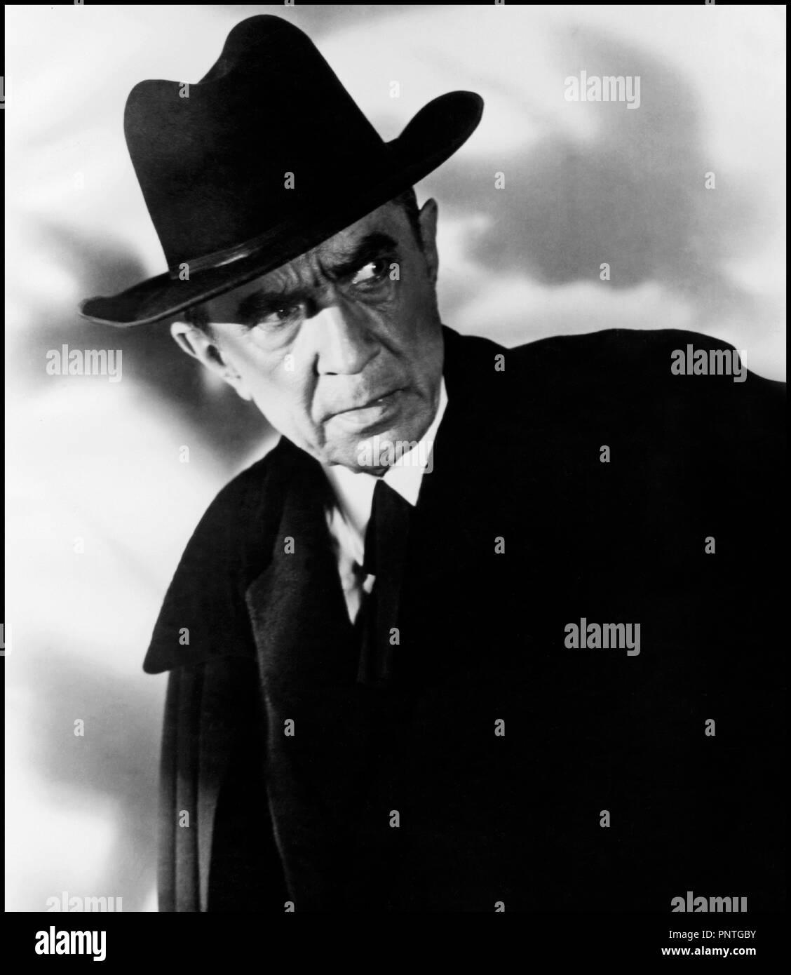 Prod DB © Reynolds Pictures / DR PLAN 9 FROM OUTER SPACE de Ed Wood 1958 USA avec Bela Lugosi science-fiction, classique de la serie B, portrait, chapeau, inquietant réalisateur: Edward D. Wood Jr - Stock Image