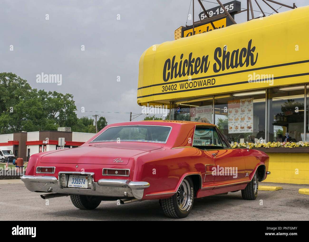 Red Buick Stock Photos Images Alamy 1950s And 1960s Riviera Royal Oak Mi Usa August 17 2018 A 1963