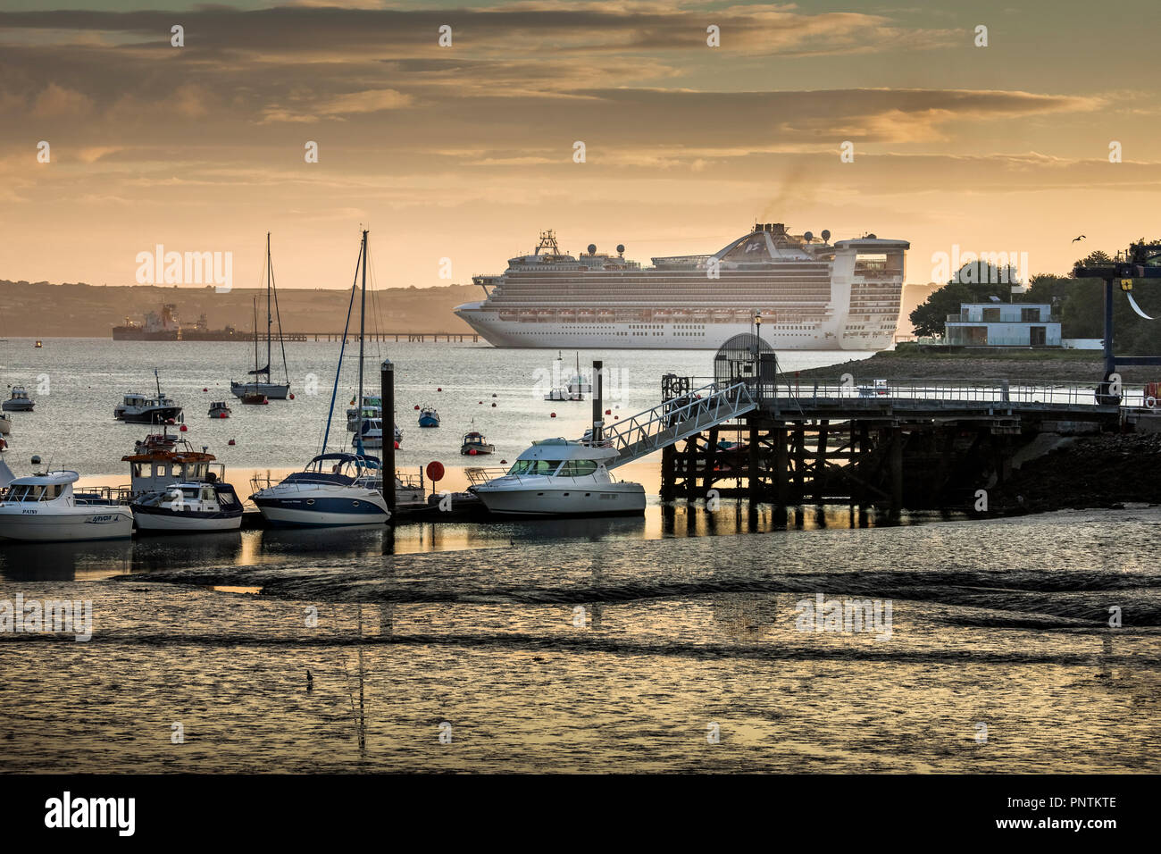 Crosshaven, Cork, Ireland. 26th August, 2016. Cruise Liner, Caribbean Princess passes the village of Crosshaven early in the  morning on her way  to C - Stock Image