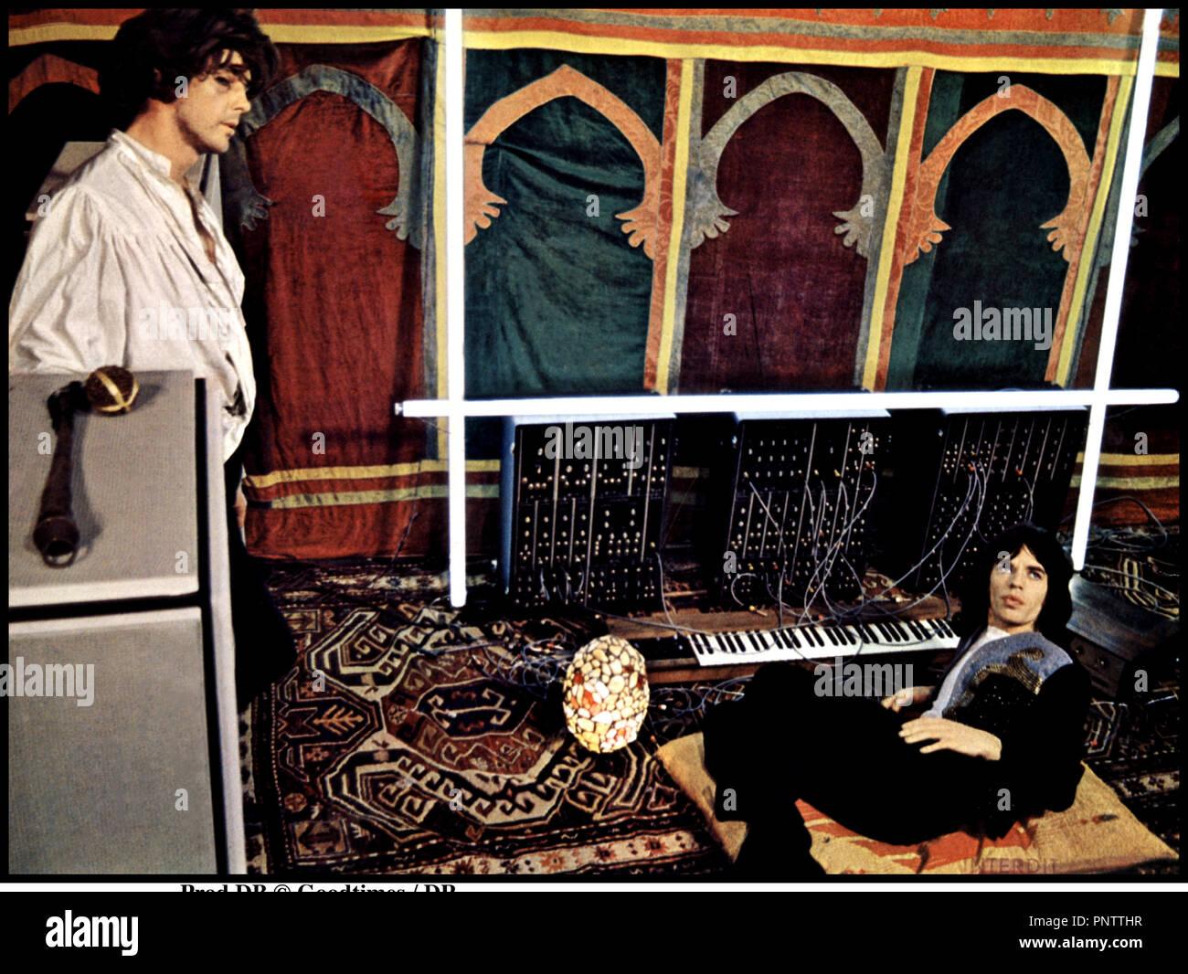 Prod DB © Goodtimes / DR PERFORMANCE (PERFORMANCE) de Donald Cammel et Nicolas Roeg 1970 GB avec Mick Jagger synthŽtiseur, salon oriental - Stock Image
