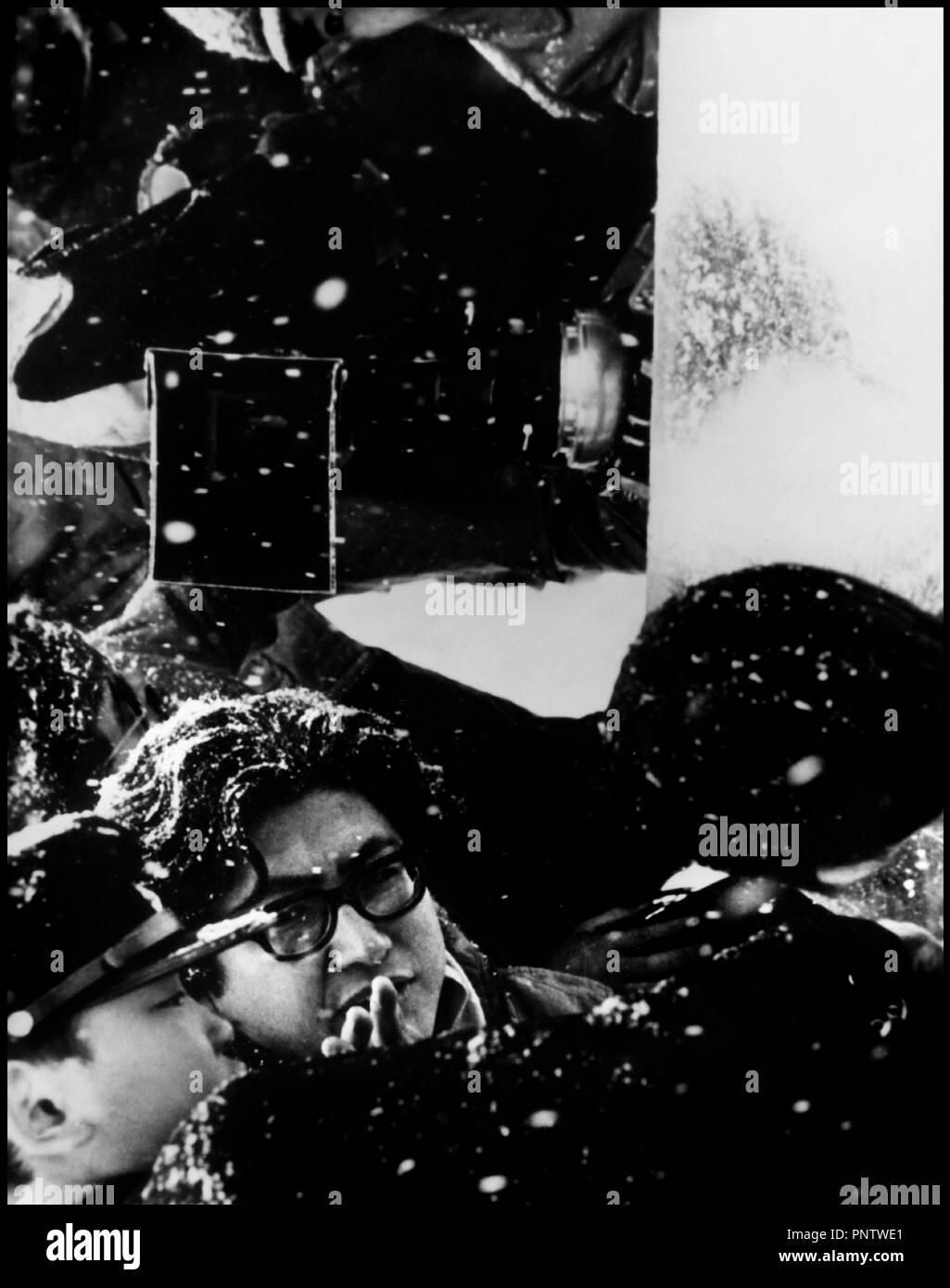 Prod DB © Sozosha - Art Theatre Guild / DR LE PETIT GARCON (SHONEN) de Nagisa Oshima 1969 JAP. avec Tetsuo Abe et Nagisa Oshima sur le tournage autre titre: BOY (titre international) - Stock Image