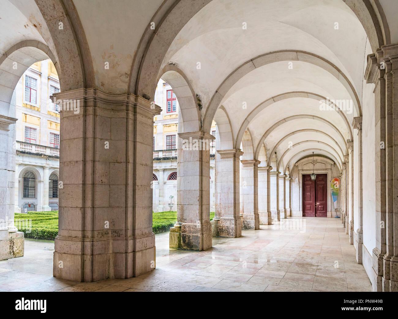 Cloisters in the Palace of Mafra ( Mosteiro Palacio Nacional de Mafra ), Mafra, Portugal - Stock Image