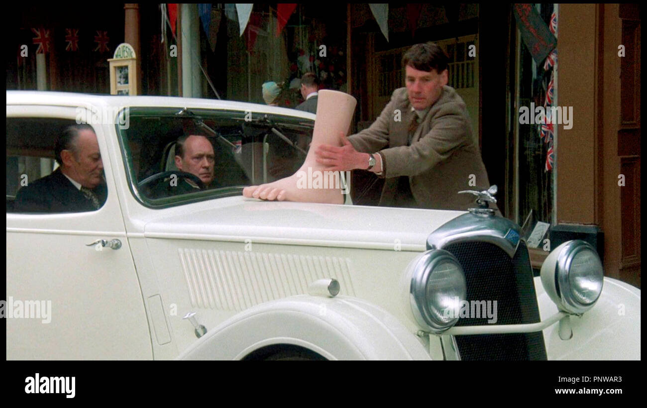 Prod DB © HandMade Films / DR PORC ROYAL (A PRIVATE FUNCTION) de Malcolm Mowbray 1984 GB avec Denholm Elliott, John Normington et Michael Palin - Stock Image