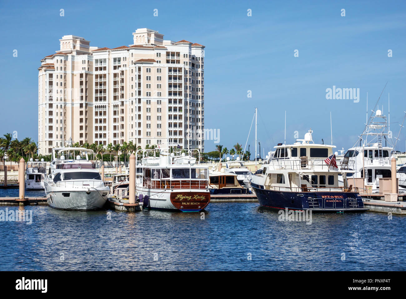 West Palm Beach Lake Worth Florida Lagoon marina high rise condominium building - Stock Image