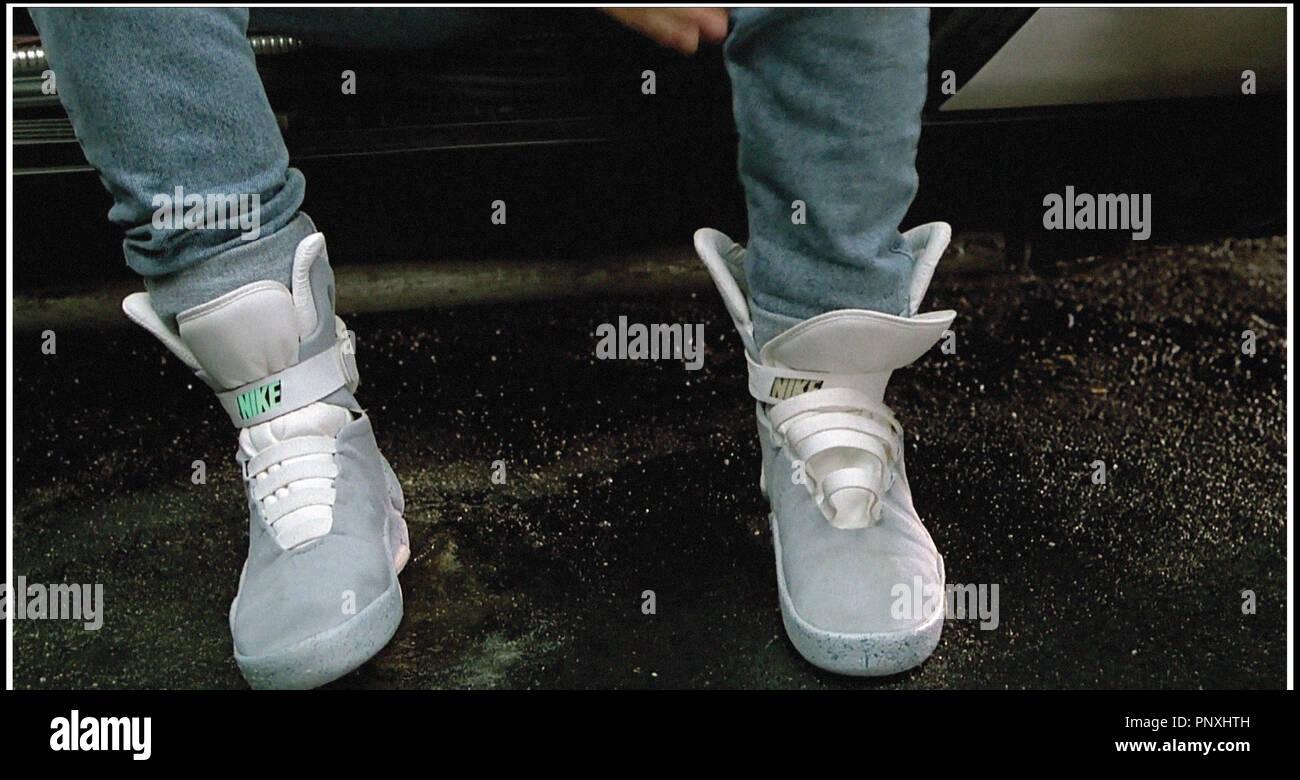 Prod DB © Universal / DR RETOUR VERS LE FUTUR 2 (BACK TO THE FUTURE PART 2) de Robert Zemeckis 1989 USA placement de produit, Nike, chaussures auto lacantes, - Stock Image