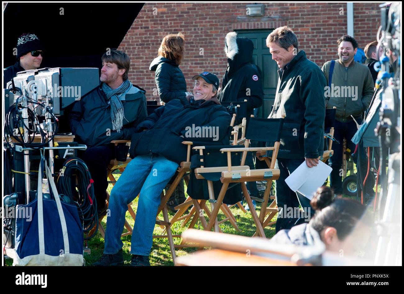 Prod DB © Castle Rock Entertainment / DR THE REWRITE de Marc Lawrence 2014 USA avec Marc Lawrence et Hugh Grant sur le tournage - Stock Image