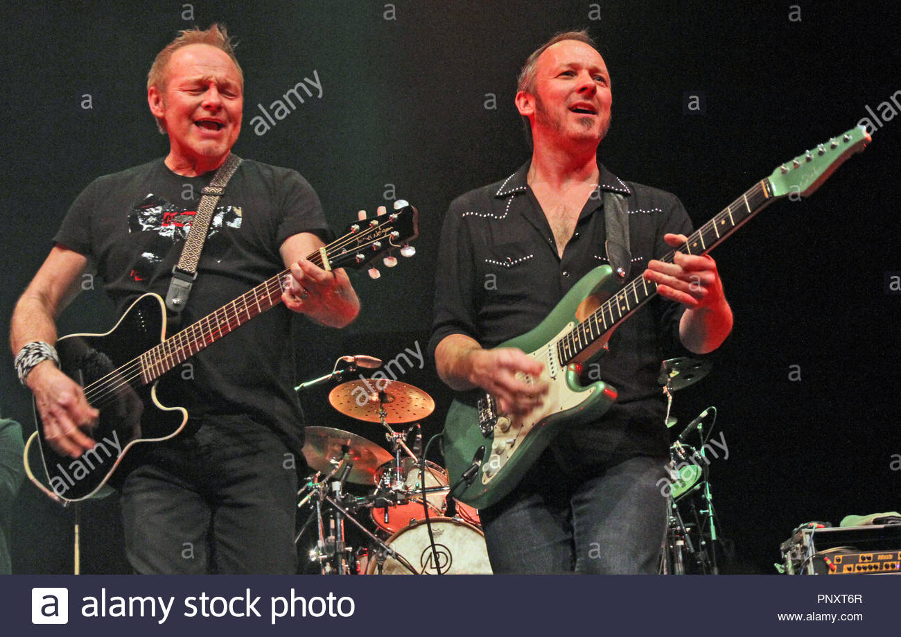 Cutting Crew perform in Warrington, Cheshire - Stock Image