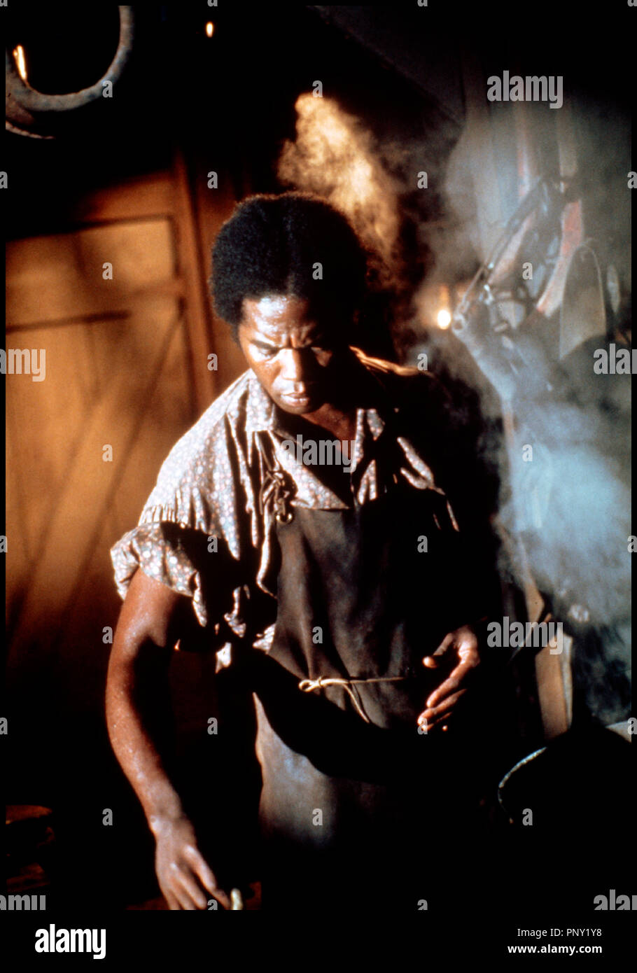 Prod DB © David L. Wolper Productions / DR RACINES (ROOTS) de Marvin J. Chomsky 1977 USA mini-série esclavage d'après le roman d'Alex Haley - Stock Image