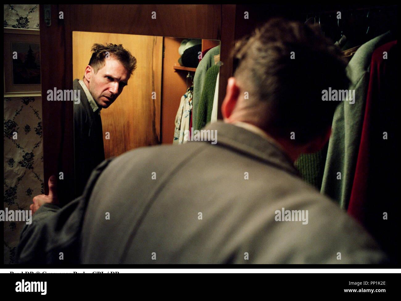 Prod DB © Grosvenor Park - CBL / DR SPIDER (SPIDER) de David Cronenberg 2002 USA avec Ralph Fiennes miroir, fou d'apres le roman de Patrick McGrath - Stock Image