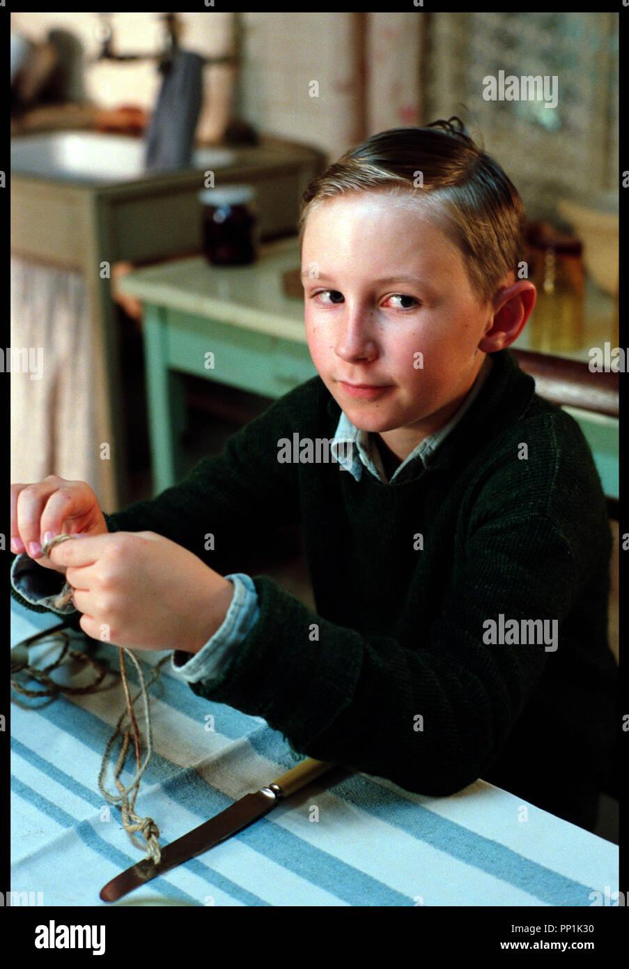 Prod DB © Grosvenor Park - CBL / DR SPIDER (SPIDER) de David Cronenberg 2002 USA avec Bradley Hall enfant, portrait d'apres le roman de Patrick McGrath - Stock Image