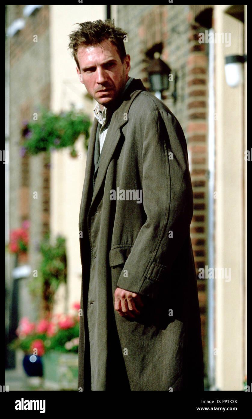 Prod DB © Grosvenor Park - CBL / DR SPIDER (SPIDER) de David Cronenberg 2002 USA avec Ralph Fiennes  portrait, fou d'apres le roman de Patrick McGrath - Stock Image