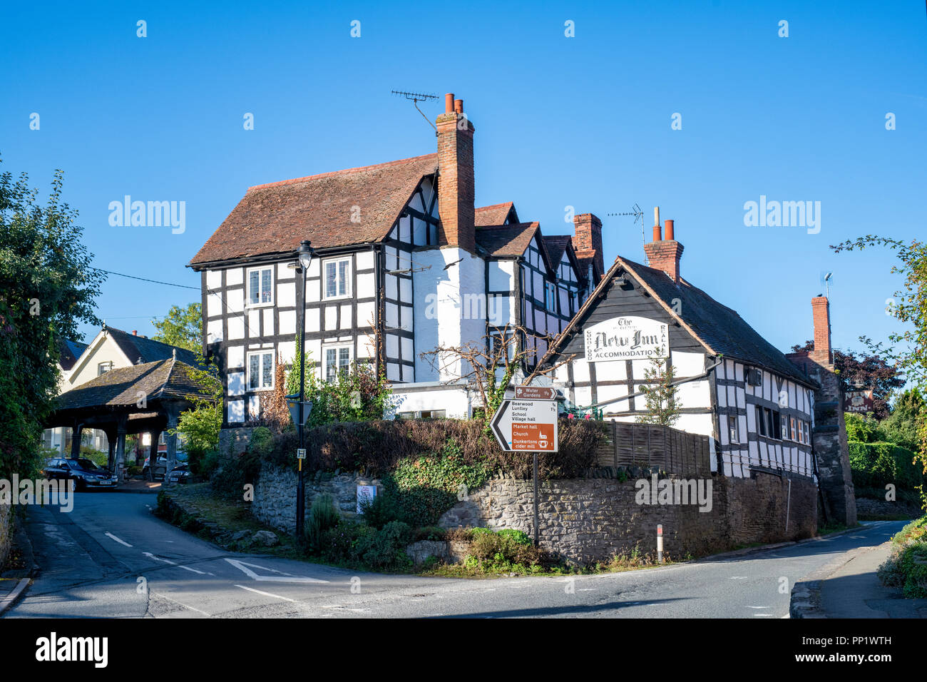 The New Inn. Black and White English Timber framed buildings. Pembridge. Herefordshire. England - Stock Image