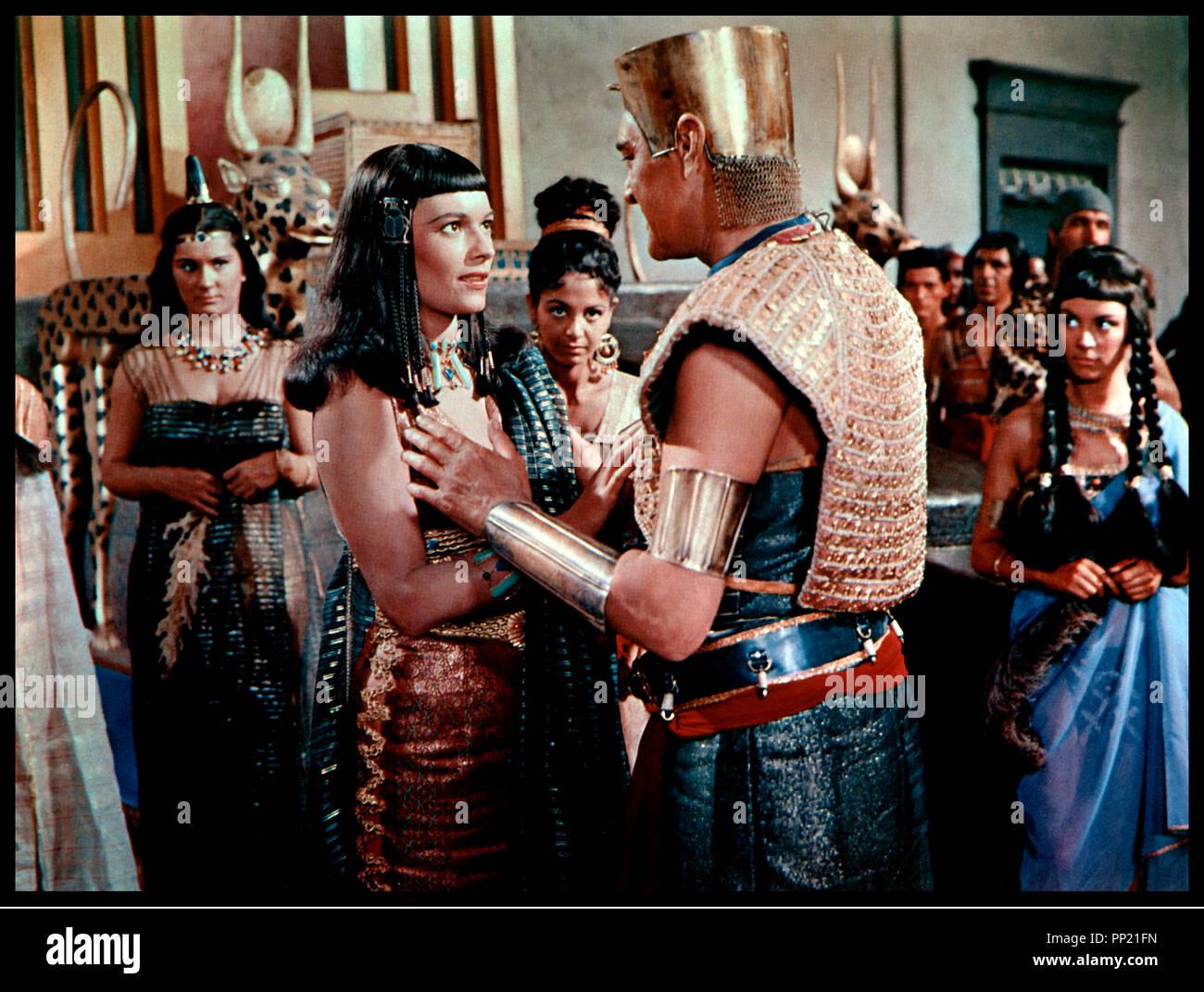 land of the pharaohs movie