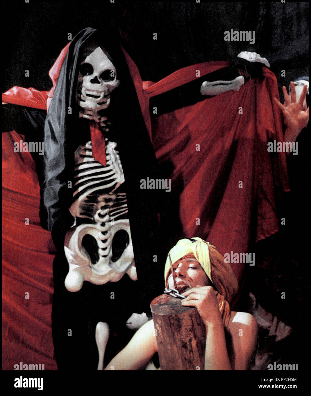 Prod DB © Rosa von Praunheim Filmproduktion / DR UN VIRUS SANS MORALE (EIN VIRUS KENNT KEINE MORAL) de Rosa von Praunheim 1986 ALL. cinema gay, homosexuel, personnage de la Mort, squelette autre tirtre: A Virus Knows No Morals - Stock Image