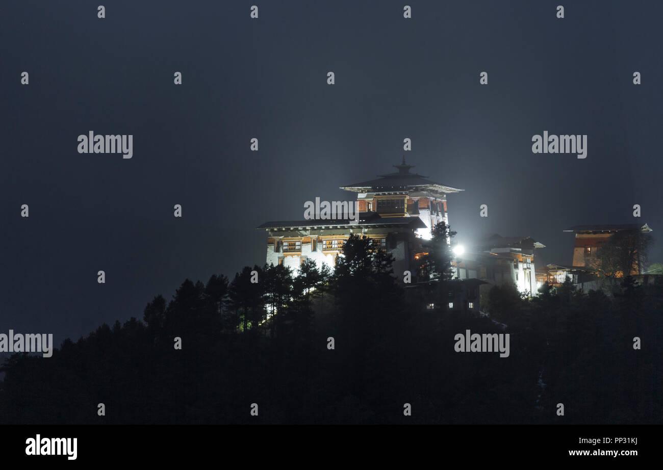 Jakar Dzong in Bumthang at night - Stock Image