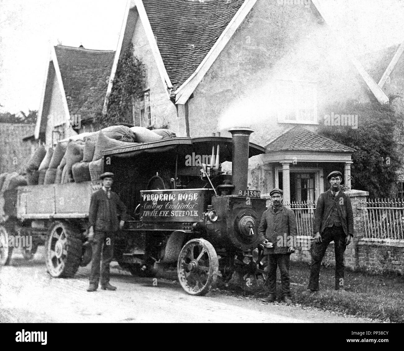 Traction Engine in Thwaite (Suffolk), early 1900s - Stock Image