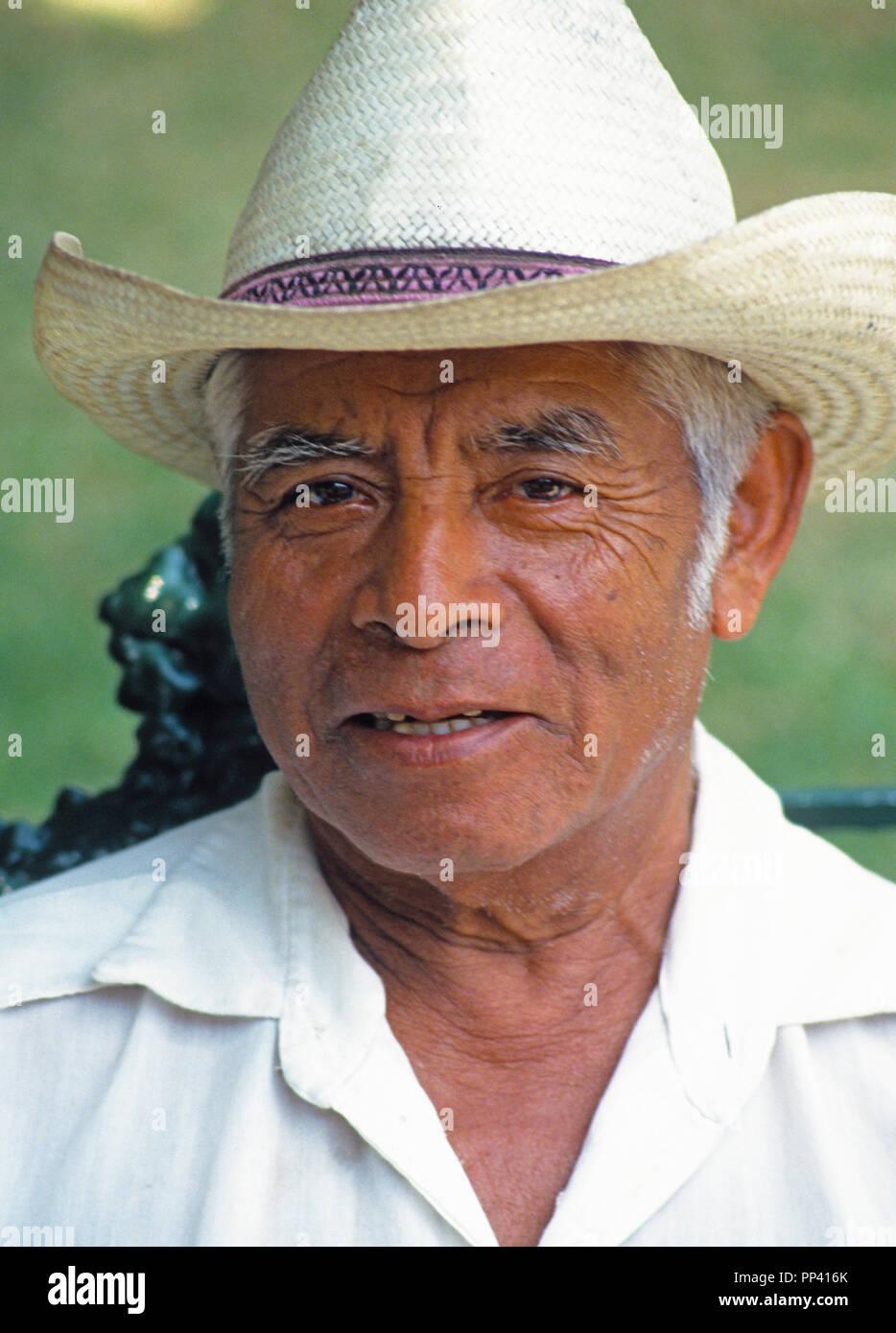 Portrait of elderly Mexican man in Zocalo of Oaxaca - Stock Image