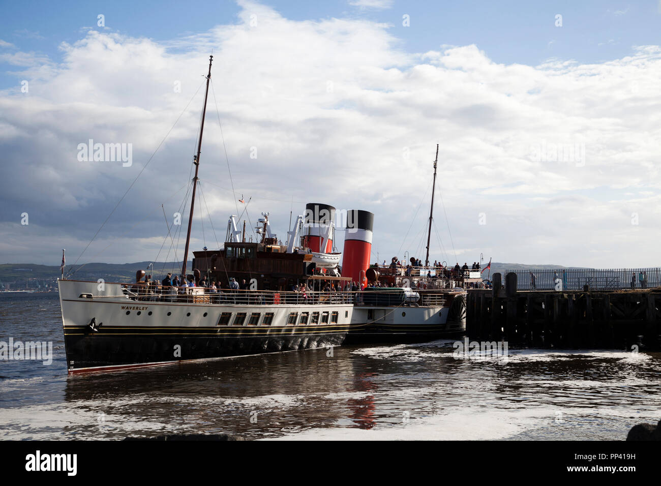 The last sea-going paddle steamer in the world. The Waverley at Helensburgh Pier on the River Clyde, Argyll, Scotland Stock Photo