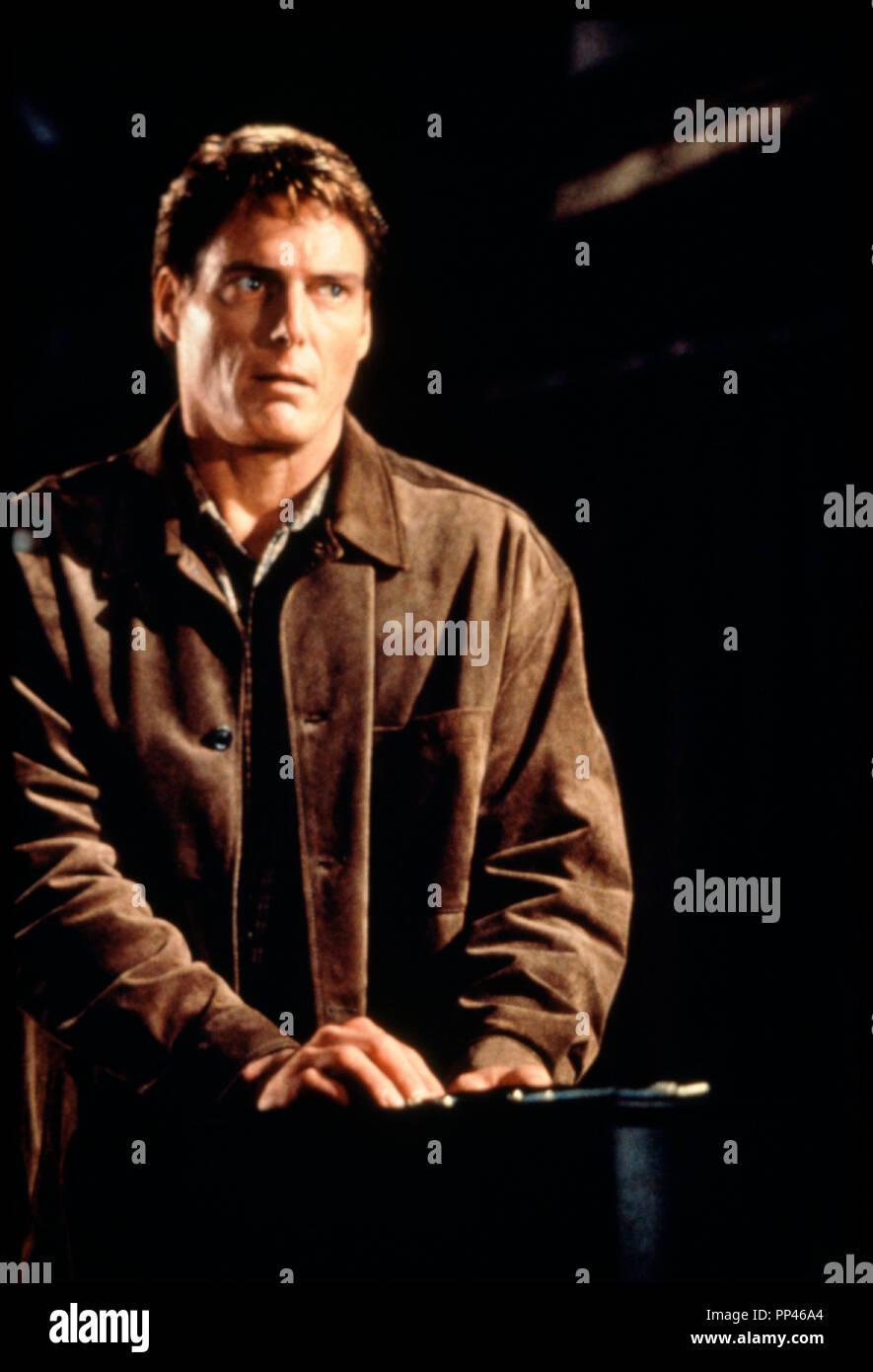 Prod DB © Universal / Alphaville Films / DR LE VILLAGE DES DAMNES (VILLAGE OF THE DAMNED) de John Carpenter 1995 USA avec Christopher Reeve d'apres le roman de John Wyndham 'THE MIDWICH CUKOOS' remake de LE VILLAGE DES DAMNES (1960) - Stock Image