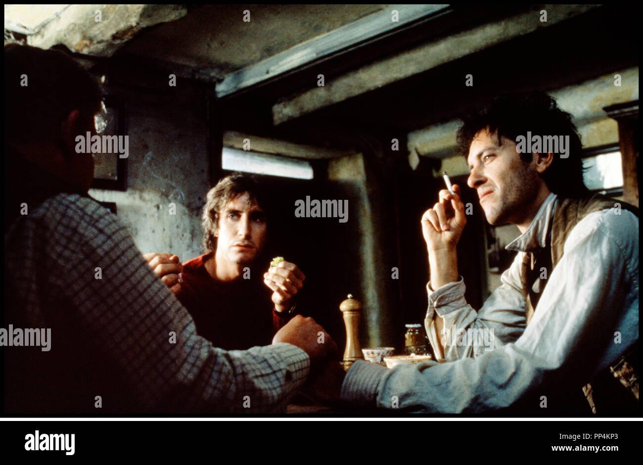 Prod DB © Handmade Films / DR WITHNAIL ET MOI (WITHNAIL & I) de Bruce Robinson 1987 GB repas, cigarette - Stock Image