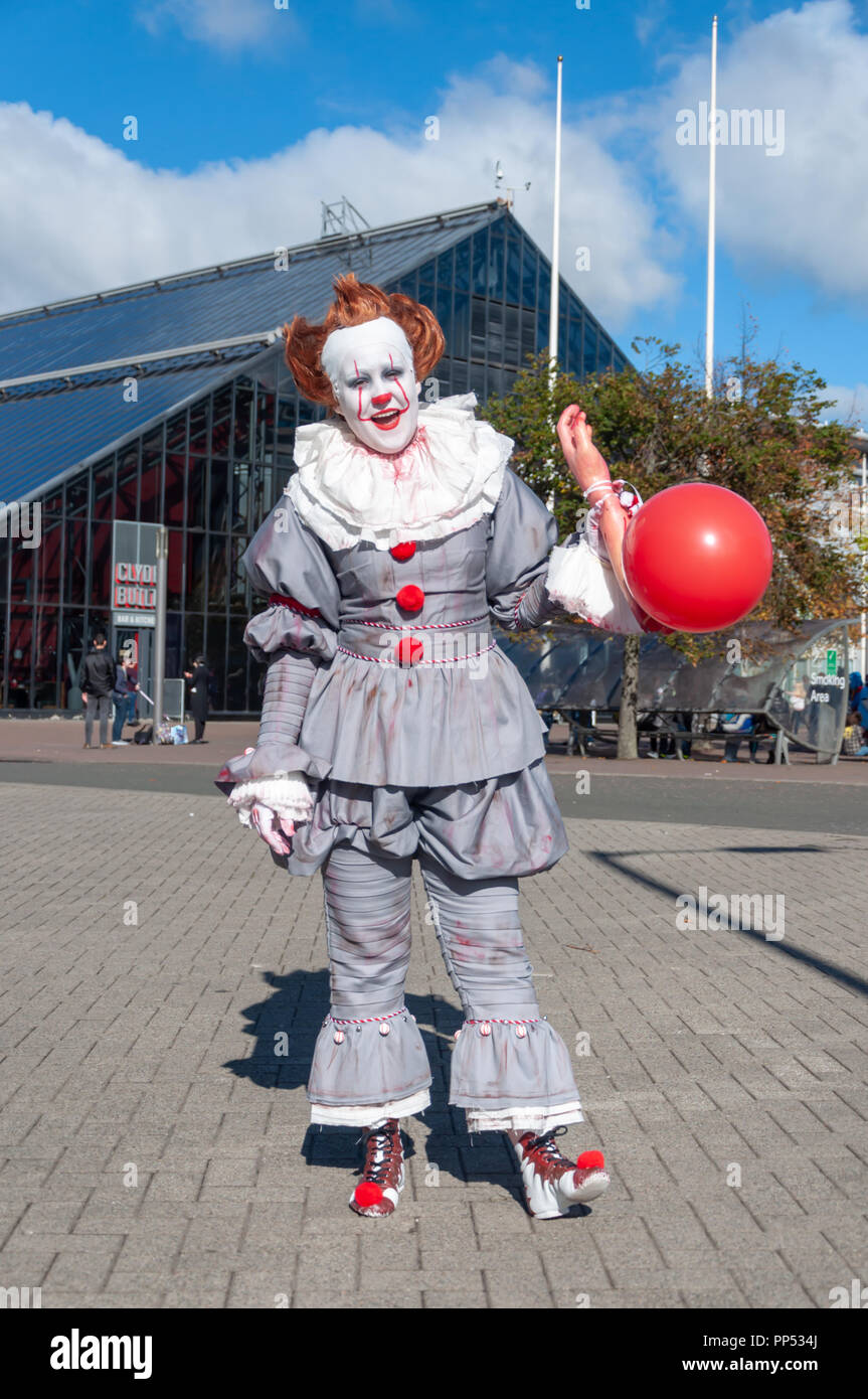 Glasgow, Scotland, UK. 23rd September, 2018. A cosplayer dressed as Pennywise The Dancing Clown, a character from the horror novel IT by Stephen King, arriving on day two of the MCM Scotland Comic Con held at the SEC Centre. Credit: Skully/Alamy Live News - Stock Image