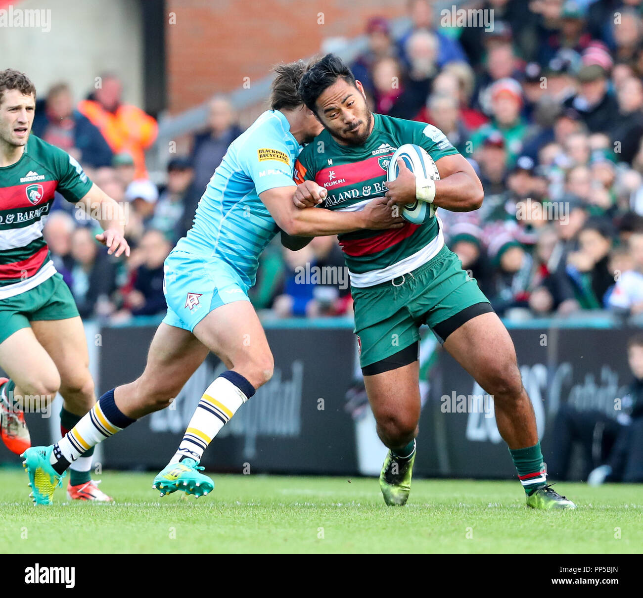 Leicester, UK. 23rd September, 2018. Premiership Rugby Union.     Leicester Tigers v Worcester Warriors  rfc.        Manu Tuilagi on the charge for Tigers during the Gallagher Premiership game played at Welford Road Stadium, Leicester, England. Credit: Phil Hutchinson/Alamy Live News - Stock Image