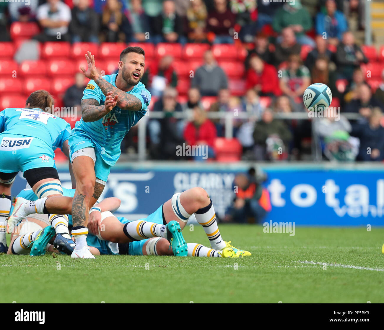 Leicester, UK. 23rd September, 2018. Premiership Rugby Union.     Leicester Tigers v Worcester Warriors  rfc.     Francois Hougaard in action during the Gallagher Premiership game played at Welford Road Stadium, Leicester, England. Credit: Phil Hutchinson/Alamy Live News - Stock Image