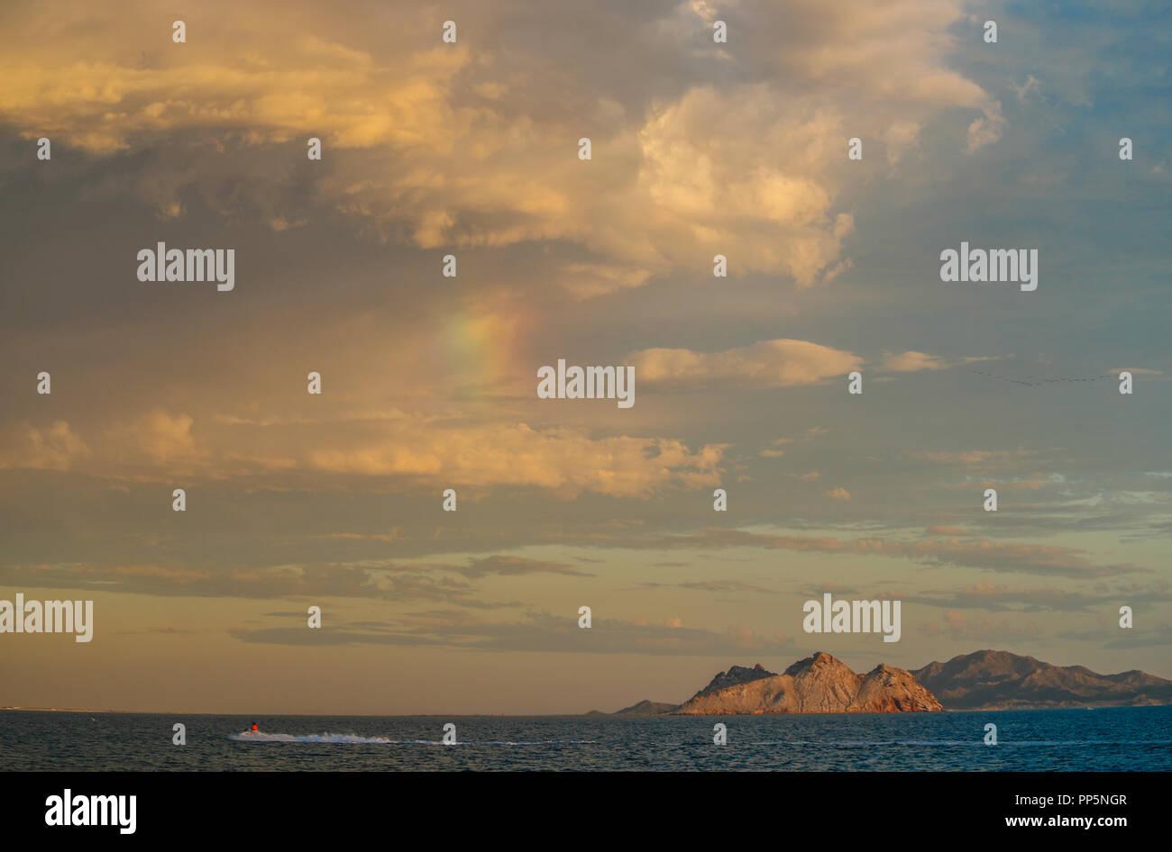 cloudy day over Alcatraz Island in Kino Bay, Sonora, Mexico. (Photo: Luis Gutierrez / NortePhoto.com). dia nublado sobre la Isla Alcatraz en Bahía de  Stock Photo