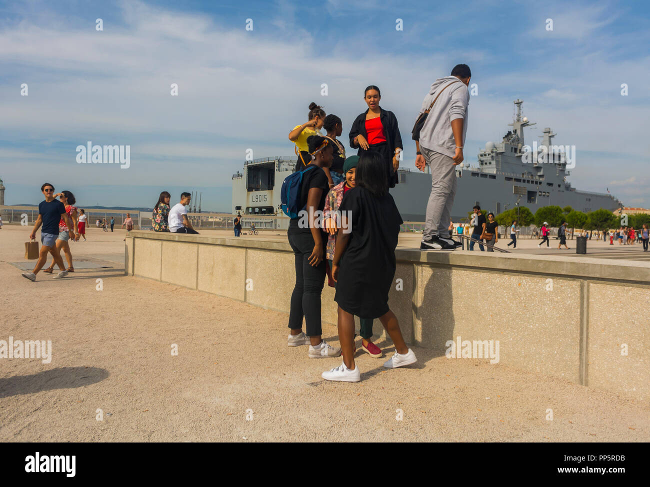 Marseille, FRANCE, Outside French Teens Visiting Dock near MUCEM Museum, group teenagers talking - Stock Image