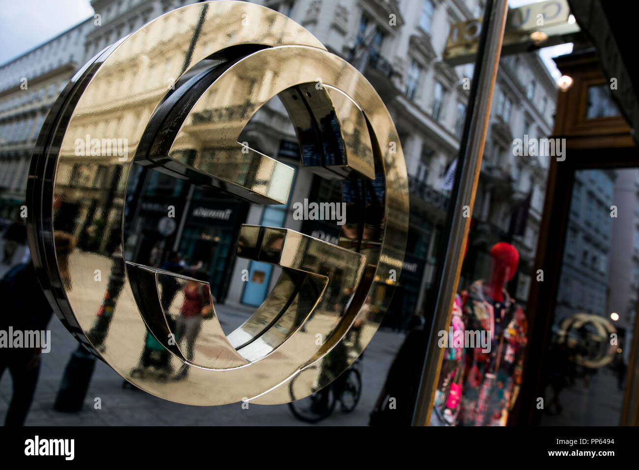 53ce5a7f312 Gucci Storefront Stock Photos   Gucci Storefront Stock Images - Alamy