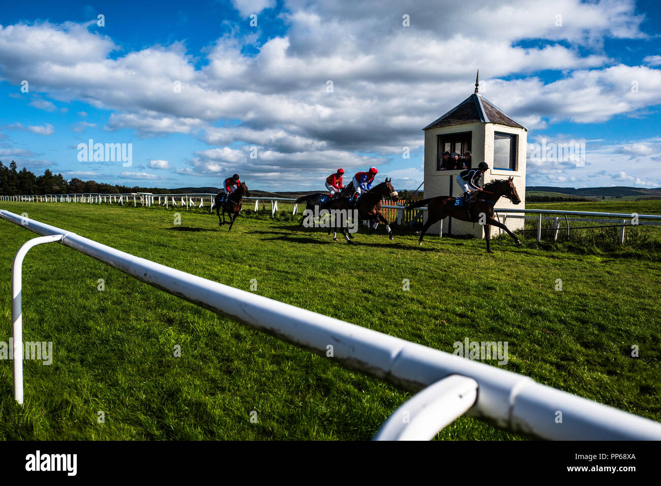 Hawick, Scottish Borders, UK. 22nd September 2018. Hawick Horse Racing Association hold their final meeting of the year. Flapping races are flat races - Stock Image