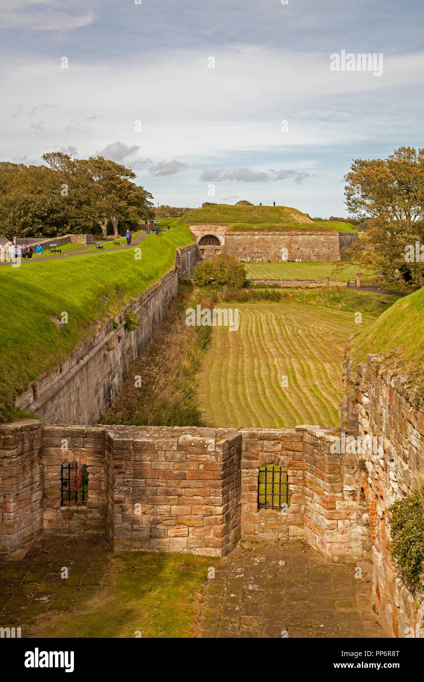 Berwick Northumberland Town Walls and fortifications were built by Edward I following the outbreak of the First War of Scottish Independence - Stock Image