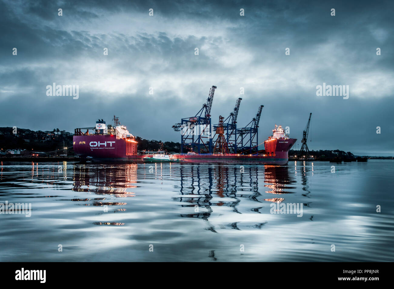 Rushbrooke, Cork, Ireland. 19th February, 2017. The semi-submersible heavy lift vessel Albratross at Cork Dockyard waiting to be loaded with three cra - Stock Image
