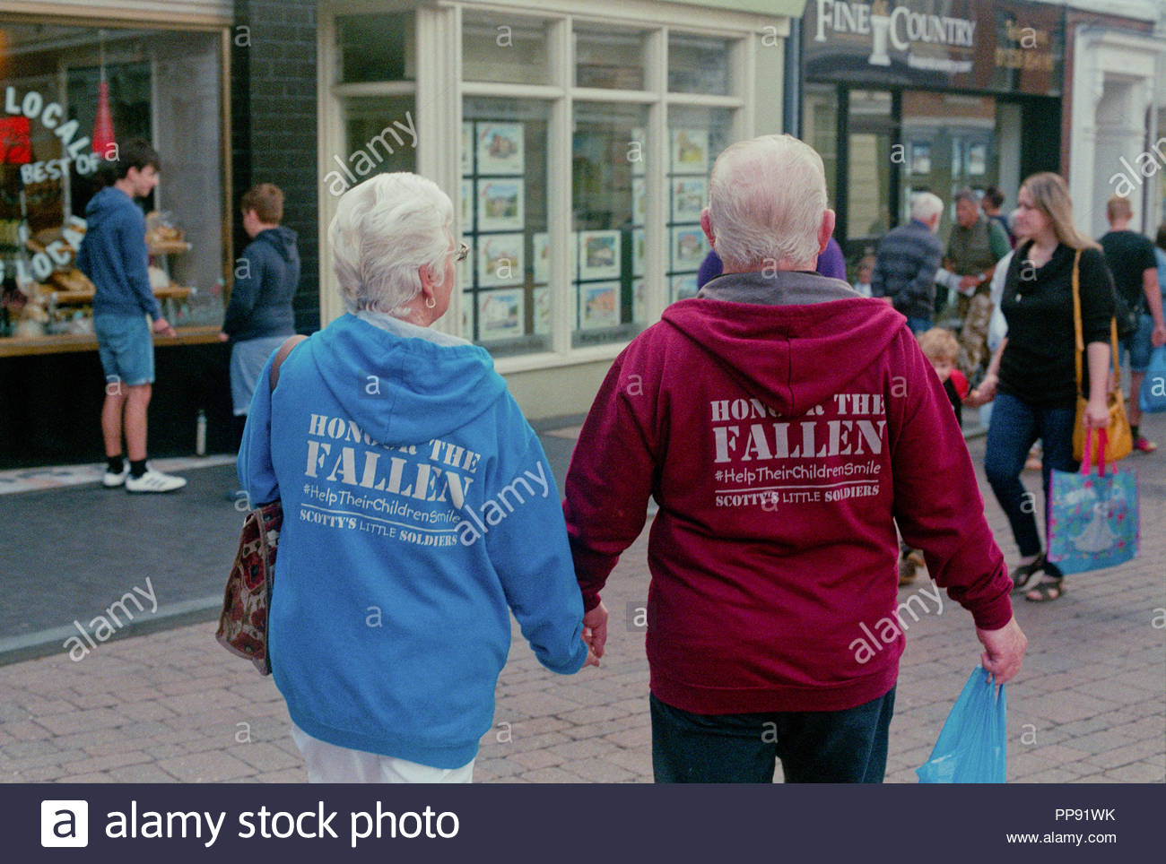 Ptsd Afghanistan Stock Photos Images Alamy One Piece Death Doctor Hoodie A Couple Wear Clothing Supporting The Scottys Little Soldiers Charity Which Supports Children Whose Parents Have