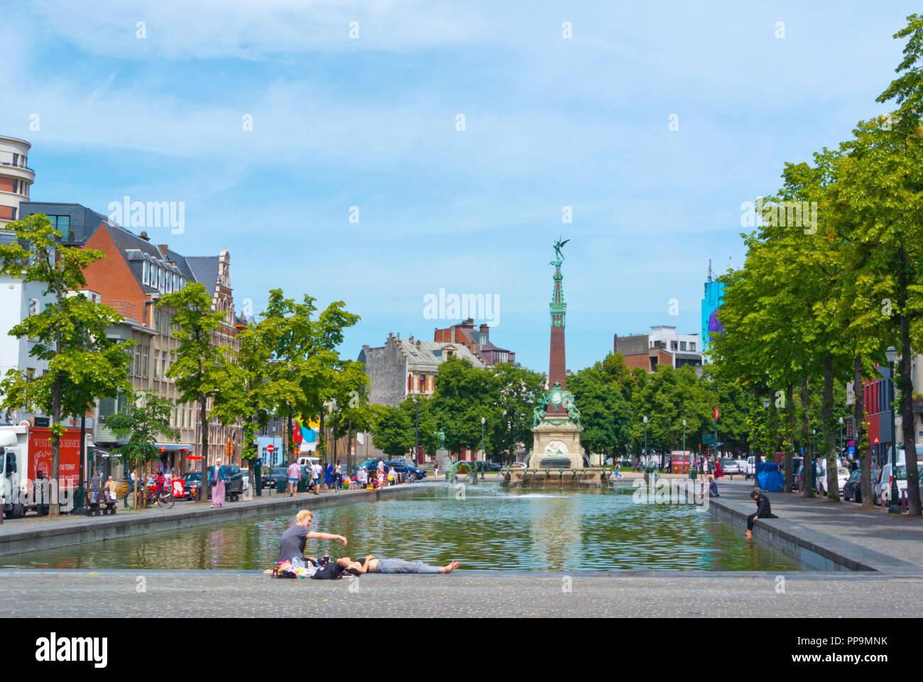 Fontein van Anspach, Marche aux Poissons, Quai aux Briques, Quays District, Brussels, Belgium Stock Photo