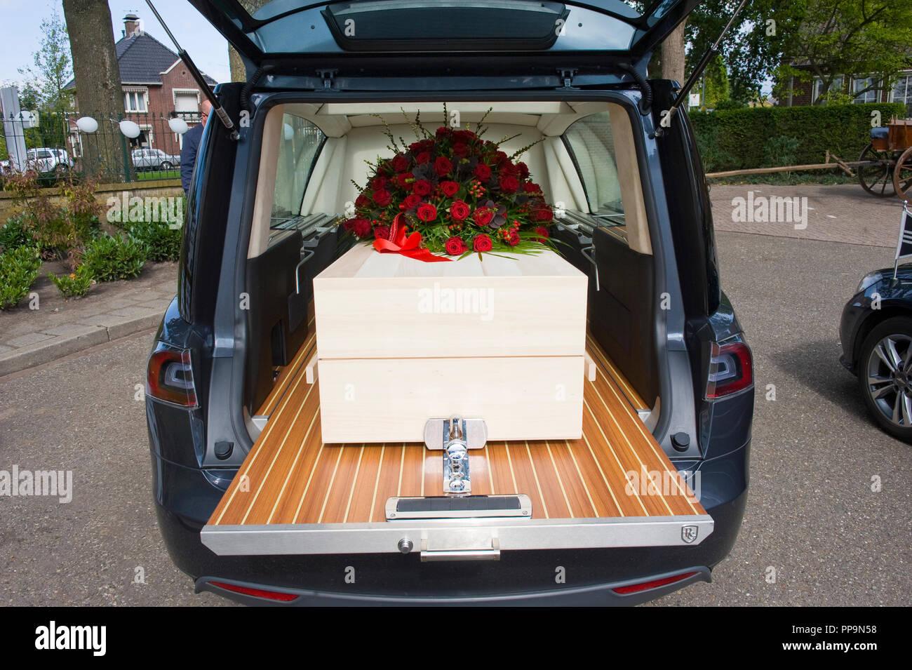 Funeral Car Stock Photos Funeral Car Stock Images Alamy