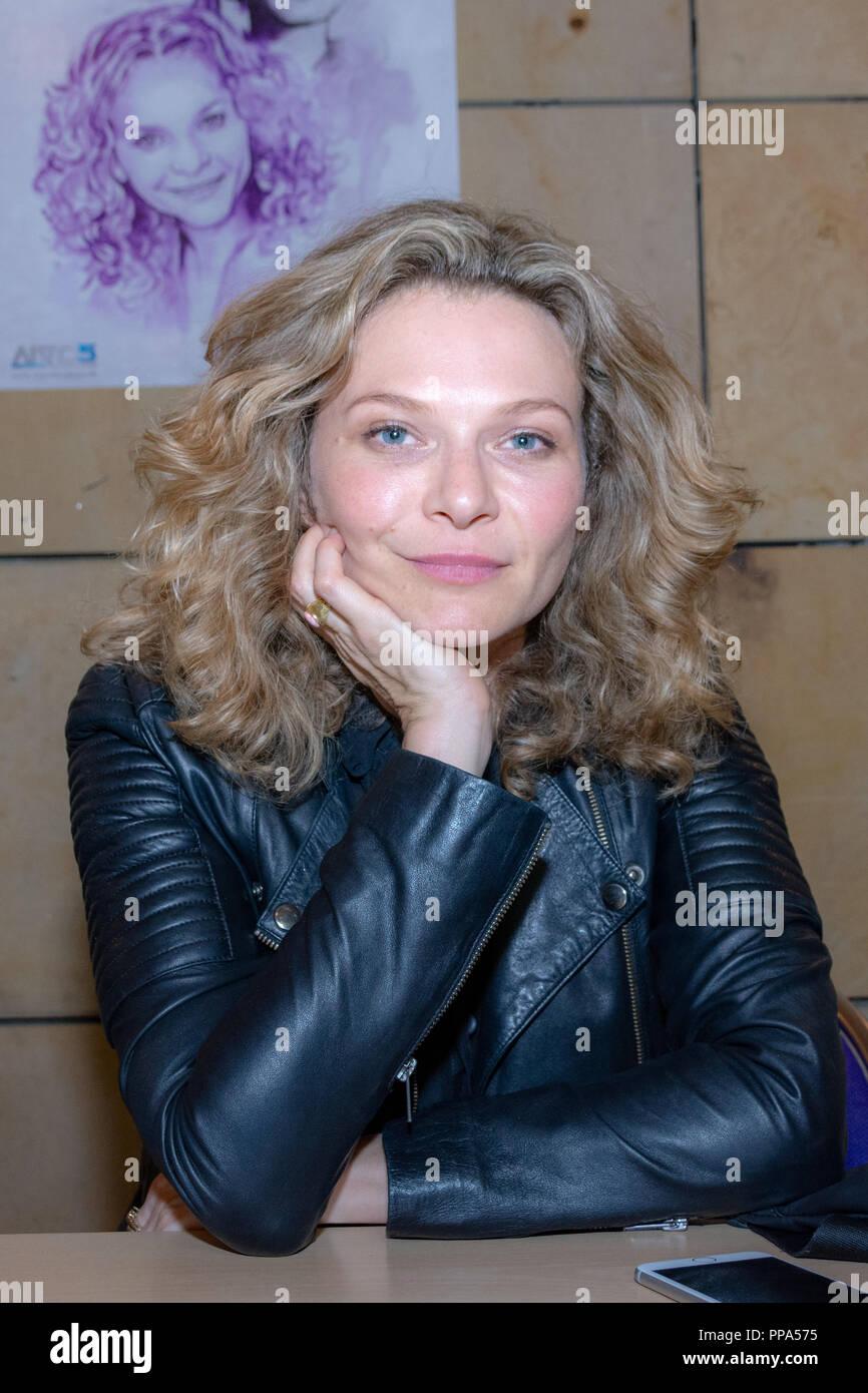 Zam Wesell Actress