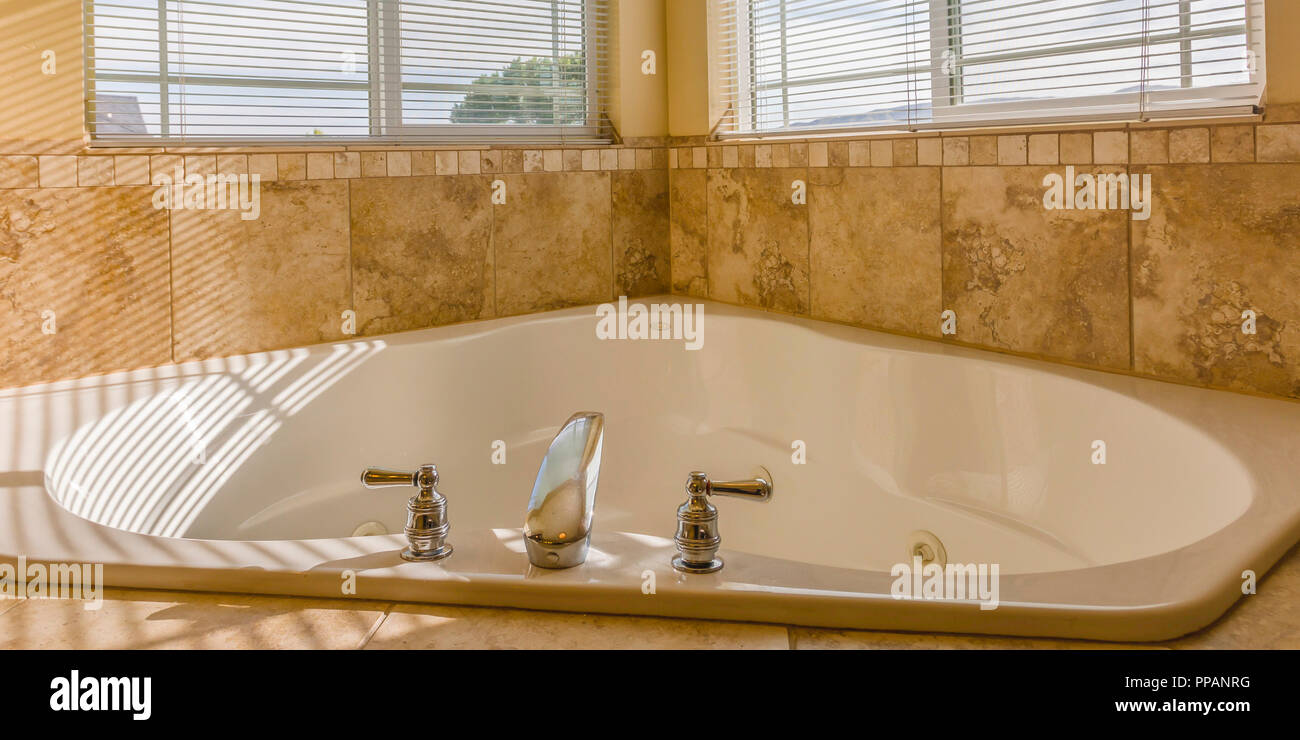 Hot Tub Jets Stock Photos & Hot Tub Jets Stock Images - Alamy