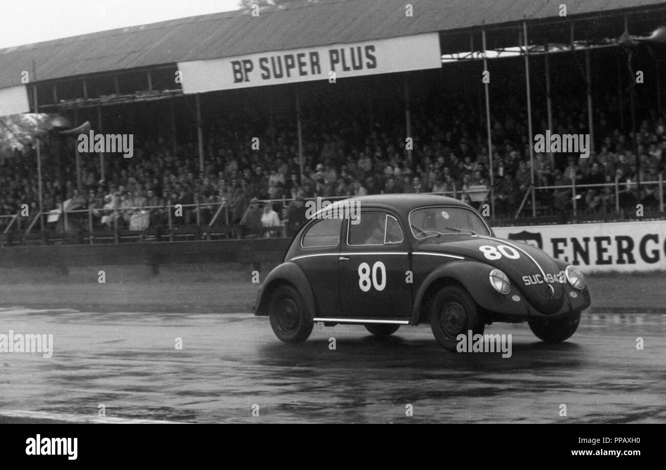 VW Beetle, M.J. Griffin. Goodwood 34th member's meeting 25.4.1959 - Stock Image