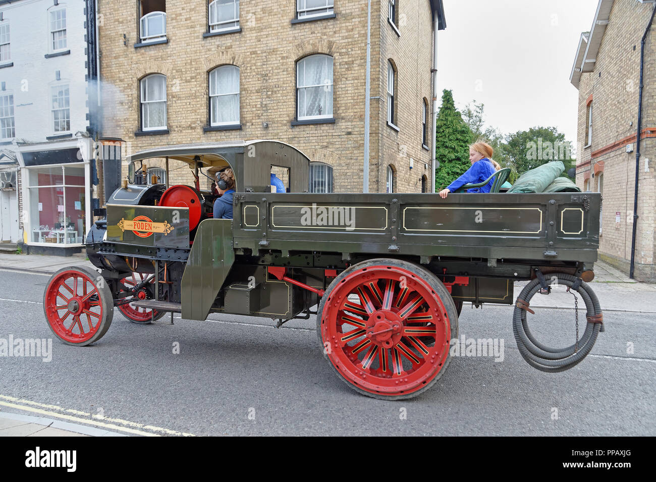 1907 Foden Steam Wagon named Isabella on a UK street - Stock Image