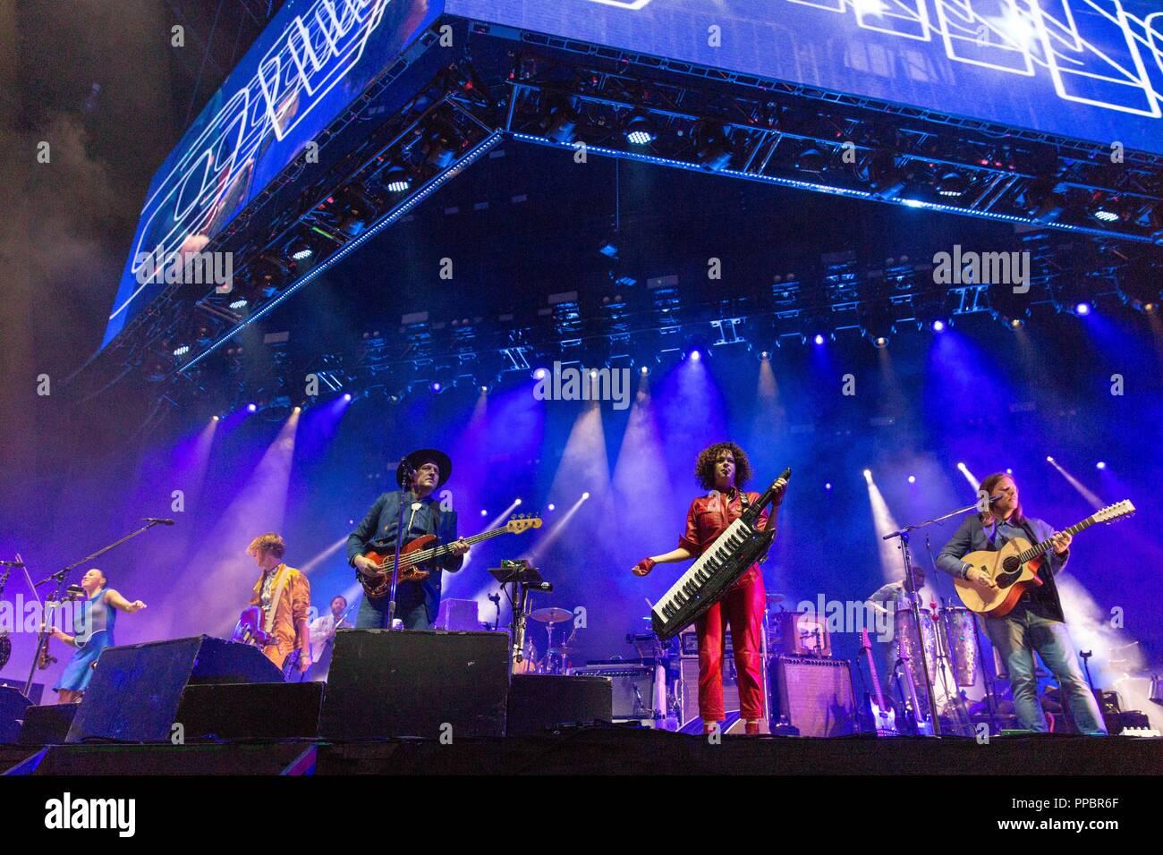Las Vegas, Nevada, USA. 23rd Sep, 2018. SARAH NEUFELD, RICHARD REED PARRY, STUART BOGIE, WIN BUTLER, REGINE CHASSAGNE, TIWILL DUPRATE and TIM KINGSBURY of Arcade Fire during Life Is Beautiful Music Festival in Las Vegas, Nevada Credit: Daniel DeSlover/ZUMA Wire/Alamy Live News - Stock Image