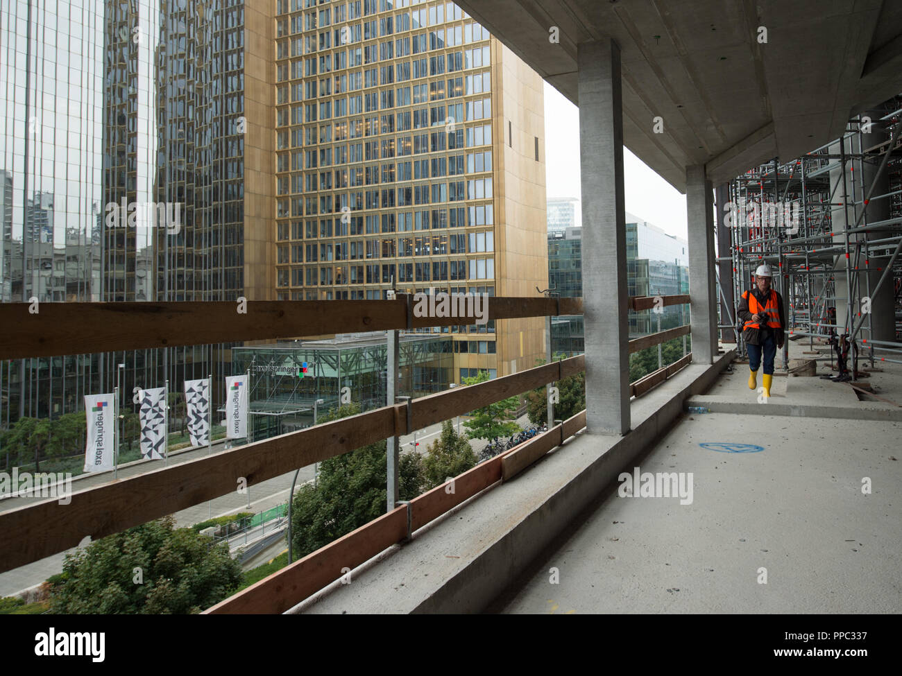 584f71e91f Feature - A view from inside the shell to the publishing house Axel  Springer SE. Press appointment - guided tour of the new Axel Springer  building in Berlin ...