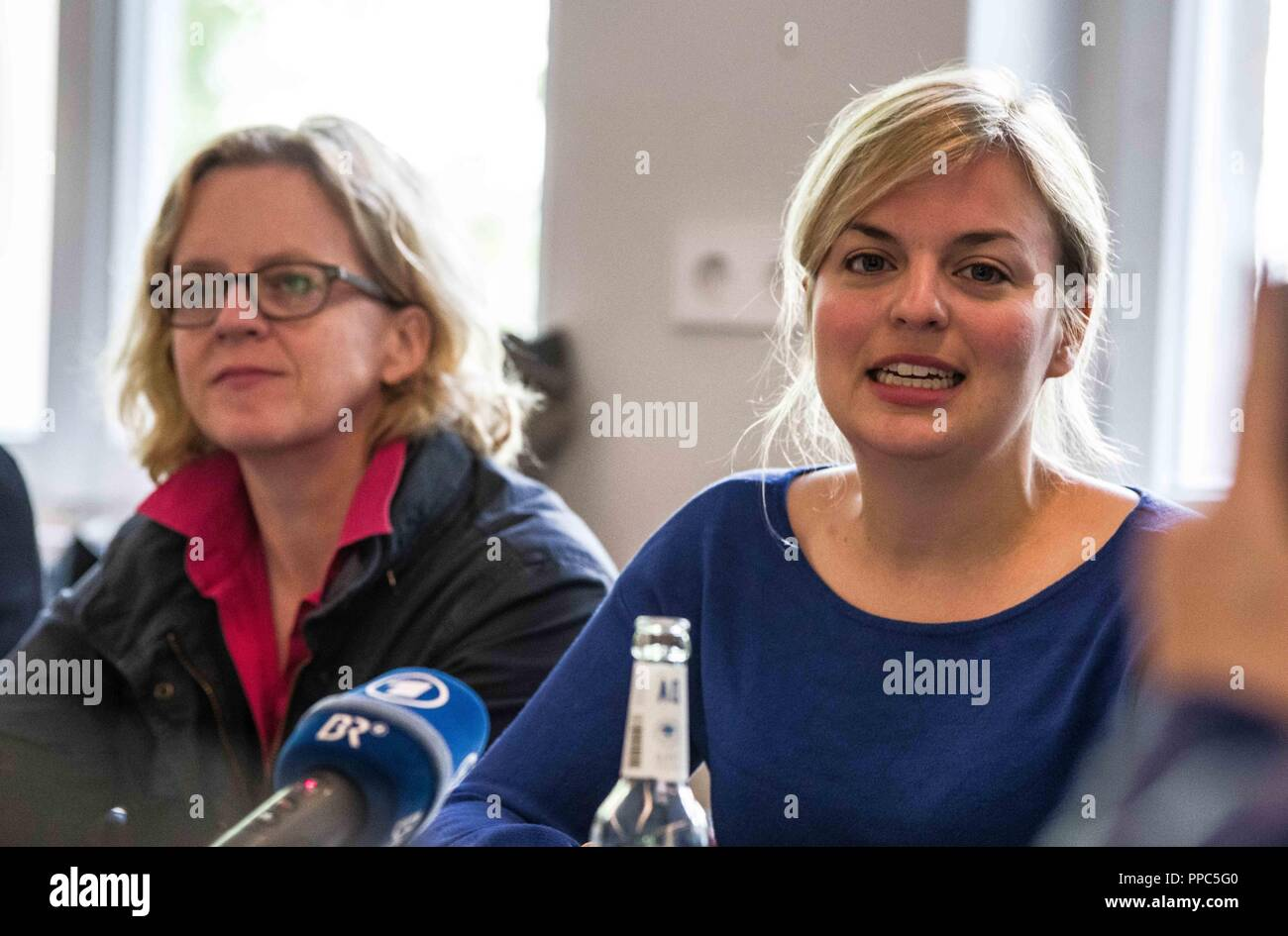 Munich, Bavaria, Germany. 25th Sep, 2018. NATASCHA KOHNEN of the SPD and KATHARINA SCHULZE of the Green Party. Citing the increasing politics of fear and attacks on civil and human rights, some 55 civil groups, organizations, and political parties have organized a follow up to the successful Munich NoPAG demonstration against the PAG Police Assignment Laws. The groups state that the increasingly exclusionary and populistic politics of the CSU and the AfD, along with the Polizeiaufgabengesetze (PAG Police Assignment Laws) are turning citizens into objects, which is a prerequisite for aut - Stock Image