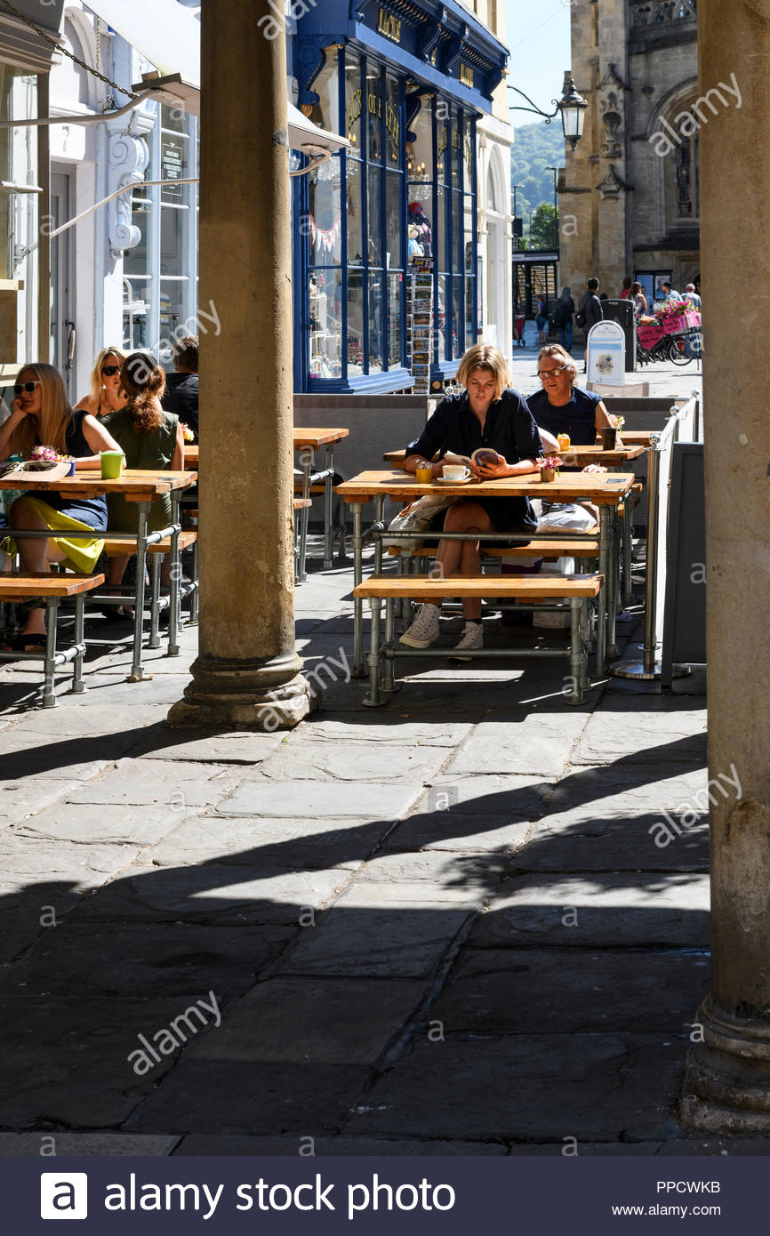 Pavement cafe, Abbey Churchyard, Bath Somerset, England, UK Stock Photo