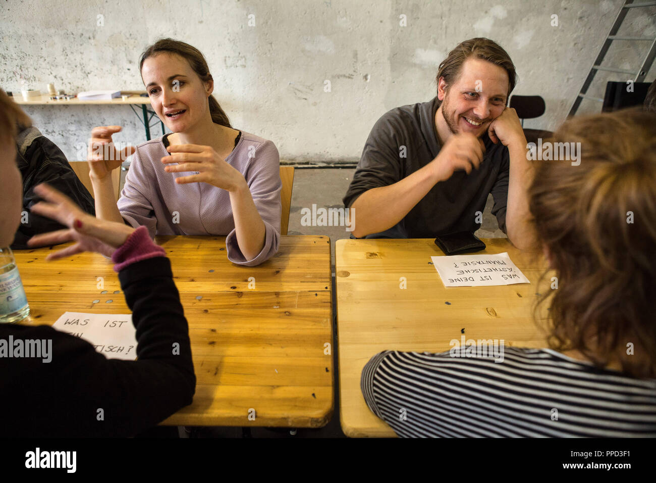 """The first culture speed date of the new theater format """"Schnell und Schmutzig"""". A format for the artistic exchange of Munich artists in """"Pathos"""", in order to create art jointly. Stock Photo"""