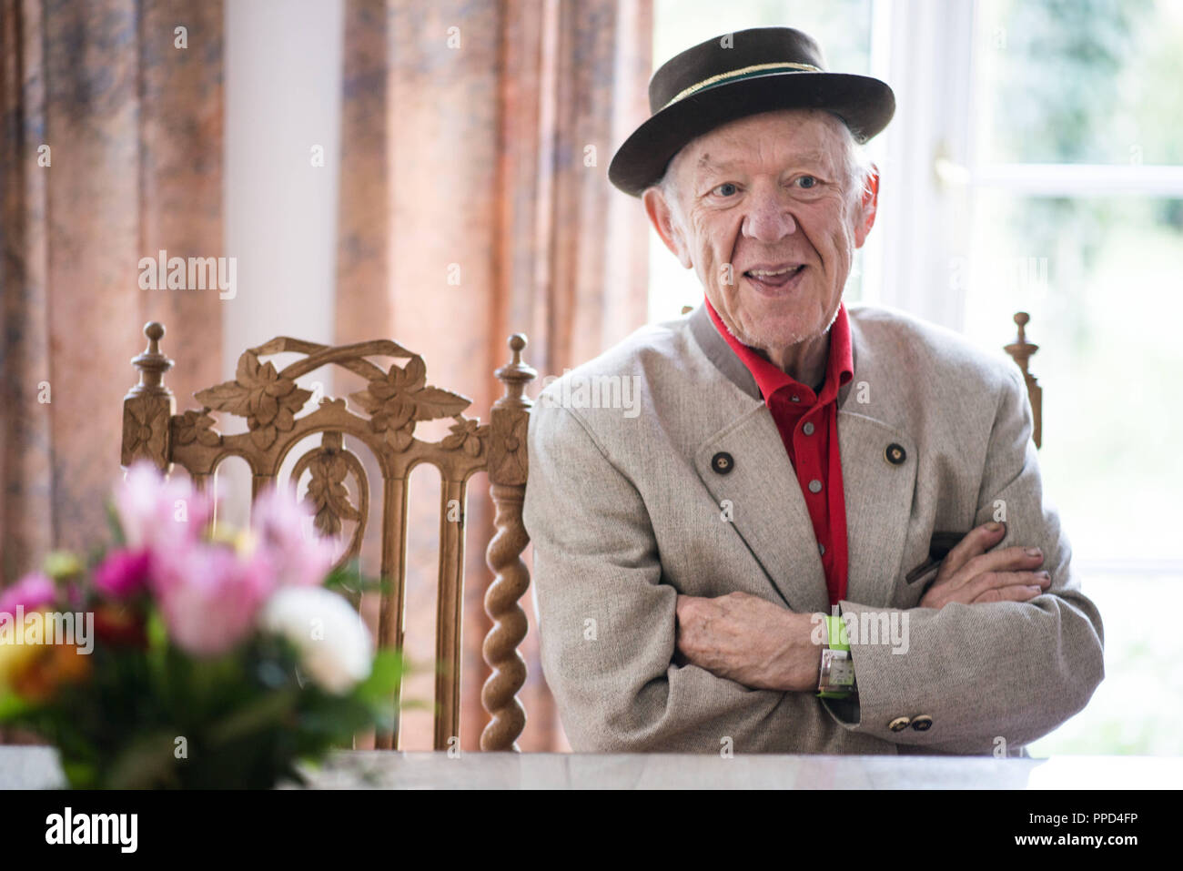 The Russian clown and mime Oleg Konstantinovich Popov, the last living circus clown of international fame of the 20th century, in his dwelling-house in Egloffstein in Franconian Switzerland. - Stock Image